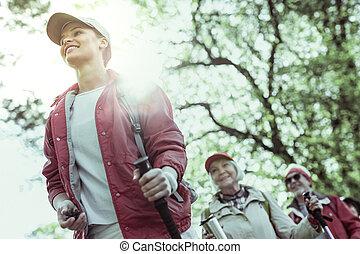 ハイキング, 促される, 年配, ガイド, 感じ, 観光客, 若い