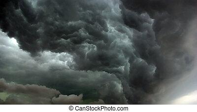 ハリケーン, comming