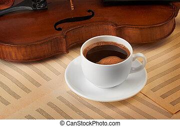 バイオリン, コーヒーカップ