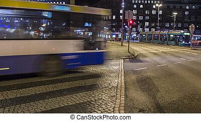 バス, 引っ越し, 夜で