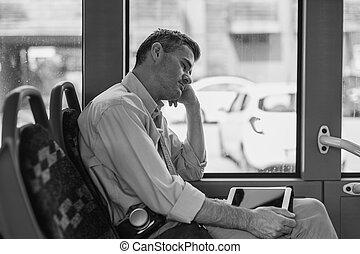 バス, 男睡眠