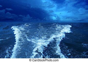 バックグラウンド。, 嵐の海洋