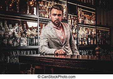 バー, アルコール, 手入れをされる, 優雅である, 飲むこと, 人