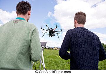 パイロット, そして, カメラマン, 作動, 写真撮影, 無人機