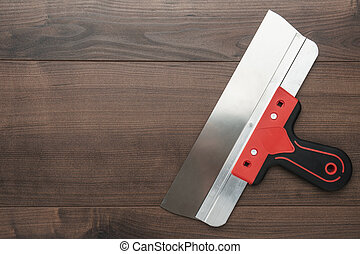 パテナイフ, ∥で∥, 赤いハンドル