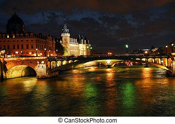 パリ, 夜間