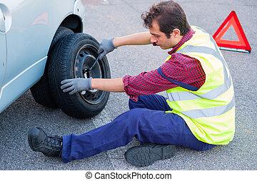 パンクしたタイヤ, 変化する, 側, 道, 人