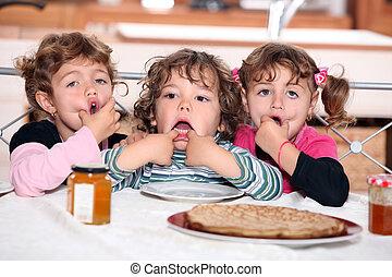 パンケーキ, わずかしか, 子供たちが食べる