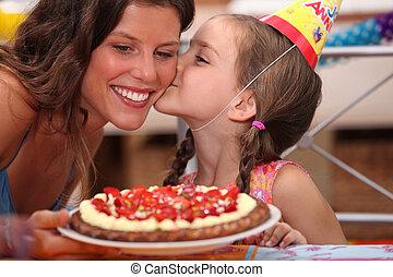パーティー, mommy, birthday, 娘, 接吻