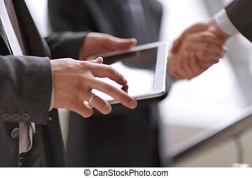 パートナー, 握手, ビジネス, タブレット, 背景, デジタル, ビジネスマン