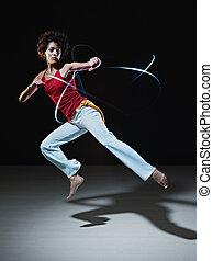ヒスパニックの 女性, 遊び, capoeira, 武道