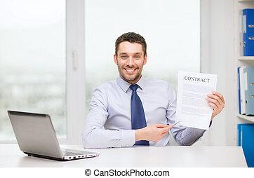 ビジネスマン, ∥で∥, ラップトップ, そして, 契約, ∥において∥, オフィス