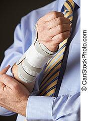 ビジネスマン, 反復的である, 終わり, (rsi), の上, 苦しみ, 傷害, 緊張