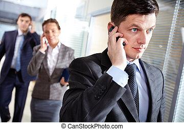 ビジネスマン, 呼出し