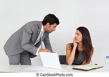ビジネスマン, 女, 若い, オフィス, しつこく悩ますこと
