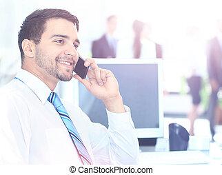 ビジネスマン, 電話 で 話すこと