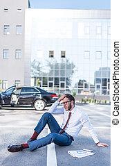 ビジネスマン, 駐車, 強調された, モデル