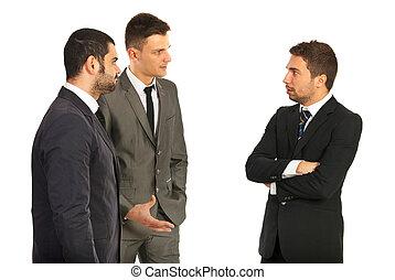 ビジネス男性たち, 持つこと, 会話