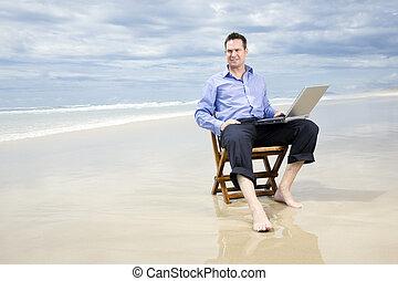 ビジネス男, モデル 椅子, 浜, ∥で∥, ラップトップ