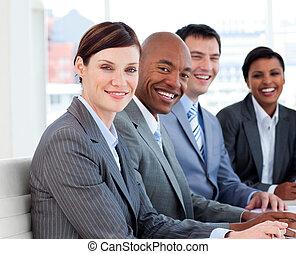 ビジネス, グループ, 提示, 民族の 多様性, 中に, a, ミーティング