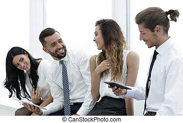 ビジネス チーム, ∥で∥, タブレット, モデル, 中に, ∥, オフィス。
