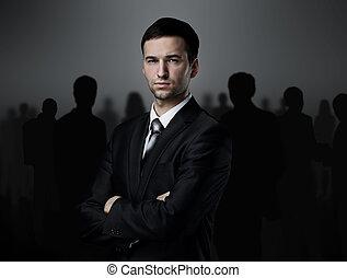 ビジネス チーム, 上に立つ, a, 暗い背景