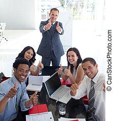 ビジネス チーム, 中に, a, ミーティング, ∥で∥, 「オーケー」