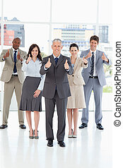 ビジネス チーム, 地位, 一緒に, ∥で∥, ∥(彼・それ)ら∥, 「オーケー」, 中に, 成功