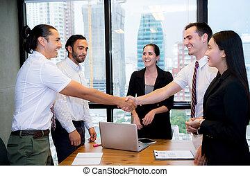 ビジネス, 人々, 手, の上, ミーティング, 仕上げ, 動揺
