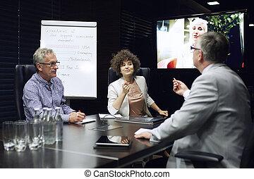 ビジネス 人々, 持つこと, ビデオ会議, ∥において∥, オフィス