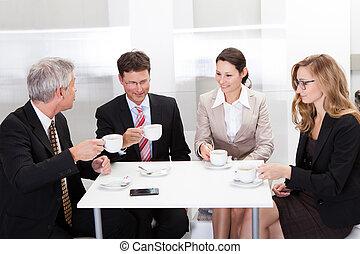 ビジネス, 同僚, コーヒー, 上に, 弛緩