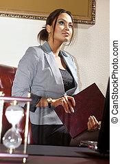 ビジネス 女, ∥で∥, フォルダー