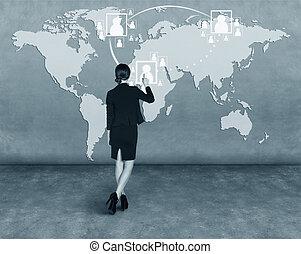 ビジネス 女, ドロー, a, 地図, 上に, 壁