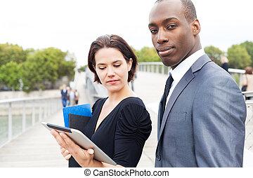 ビジネス, 電子, タブレット, 働いている人達