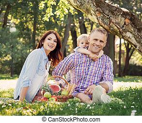 ピクニック, 家族, ある, 休暇, 一緒に, 持つこと