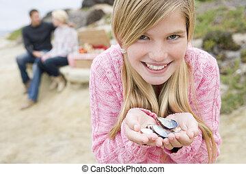 ピクニック, 家族, フォーカス, 貝殻, 微笑, 浜, 女の子