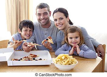 ピザ, 家, 子供, 親, フライド・ポテト, 食べること