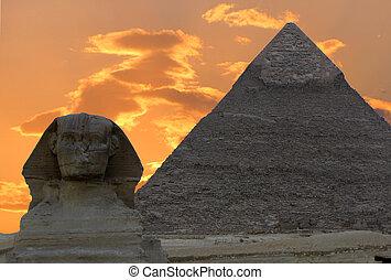 ピラミッド, スフィンクス