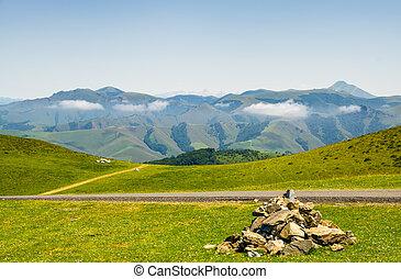 ピレネー山脈, 牧草地, フランス語, 牧草