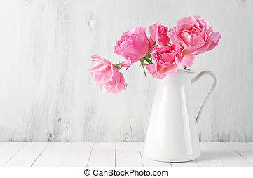 ピンクのバラ, 水差し