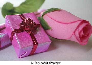 ピンクの花, 贈り物