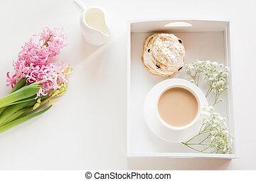 ピンク, パステル, コーヒーカップ, 花束, 春, 上, 朝, ヒヤシンス, 黒, white., 色, 新たに, 朝食, ミルク, ビュー。, ペストリー