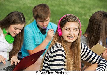 ピンク, 微笑, ヘッドホン, 女の子
