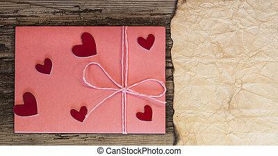 ピンク, 心, わずかしか, バレンタイン, 封筒, 木, テーブル, 日