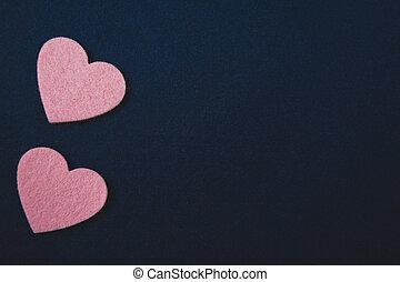 ピンク, 心, 上に, 暗い 青, フェルト, バックグラウンド。, バレンタインデー