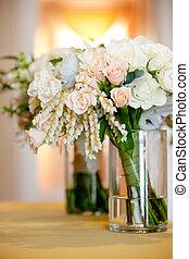 ピンク, 花嫁の花束, ジャー, ガラス, 結婚式, 白い花, 式, 前に