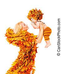 ファッション, お母さん, 葉, 秋, 隔離された, 秋, 保有物, 母, ベビー衣類, 白, 子供, 上に