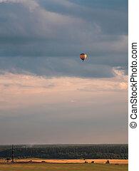 フィールド, balloon, 夕方, 上に, フライト
