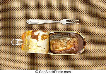 フォーク, 缶詰にされた魚, 金属の缶, 開いた