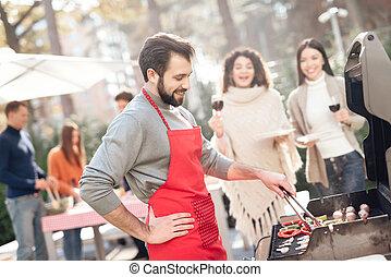フライド・ポテト, 野菜, 女の子, ソーセージ, barbecue., 人
